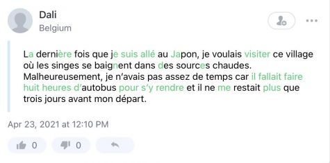 Text in French with corrections highlighted in green text.